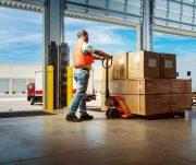 Logística para a indústria: 6 dicas para otimizar esse processo