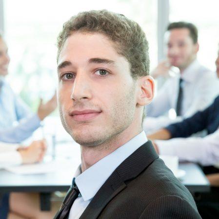icone Como a desaceleração criou uma demanda por Graduados em Administração